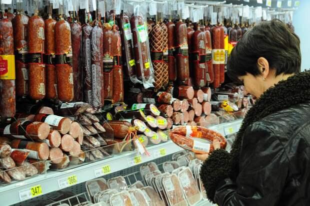 Правда или ложь: в России подорожают колбаса и сосиски?