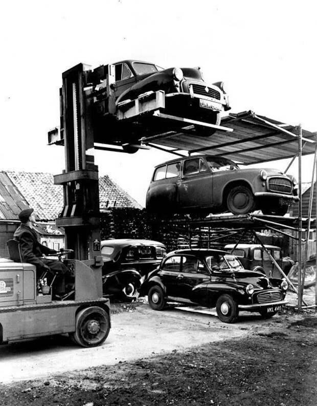 Вертикальные автомобильные парковки из прошлого авто, автомобили, архив, из прошлого, машины, парковка, прошлое, ретро