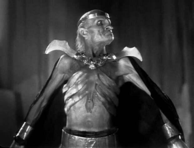 Я не мужчина, я Баба Яга! Личная драма и несбывшиеся мечты самого харизматичного сказочного злодея Георгия Милляра