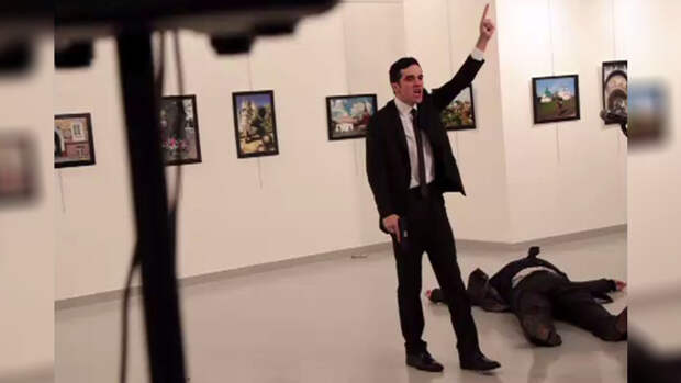 Источник: в Анкаре в результате покушения скончался российский посол
