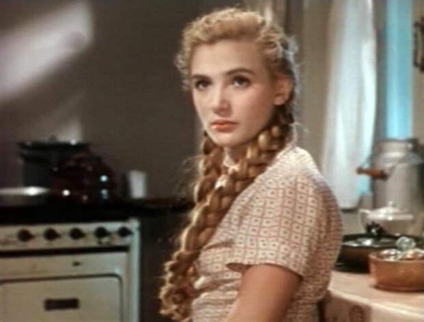 Триумф и забвение прелестной девушки из доброй комедии «Улица полна неожиданностей»