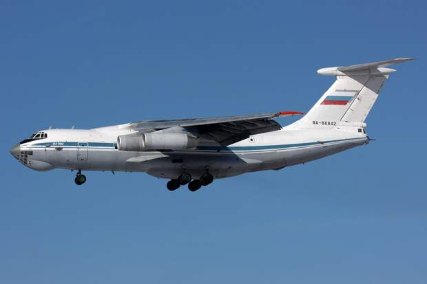 Ilyushin Il-76M, Russia - Air Force AN1684938.jpg