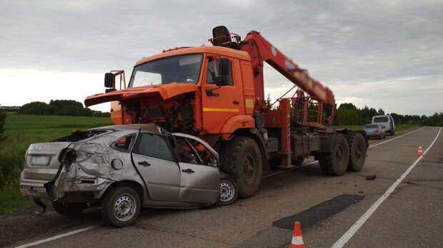 Два человека погибли в результате ДТП на трассе в Удмуртии