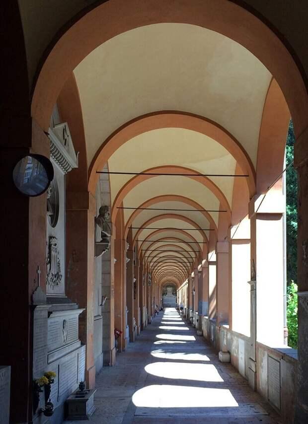 Кладбищенская красота: Чертоза, Болонья