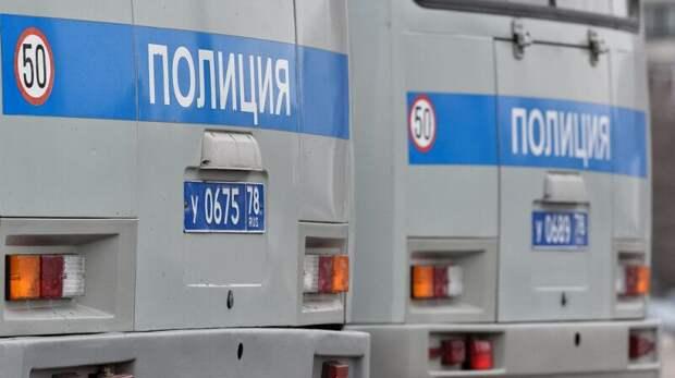 Автозак и иномарка столкнулись на Пушкинской площади в Москве