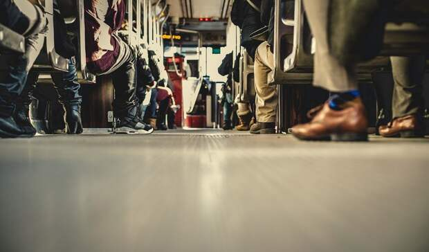 Автобус с25 пассажирами вылетел сдороги вРостовской области