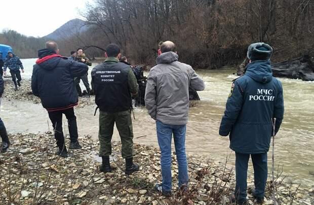 На Кубани два человека погибли при переезде через реку