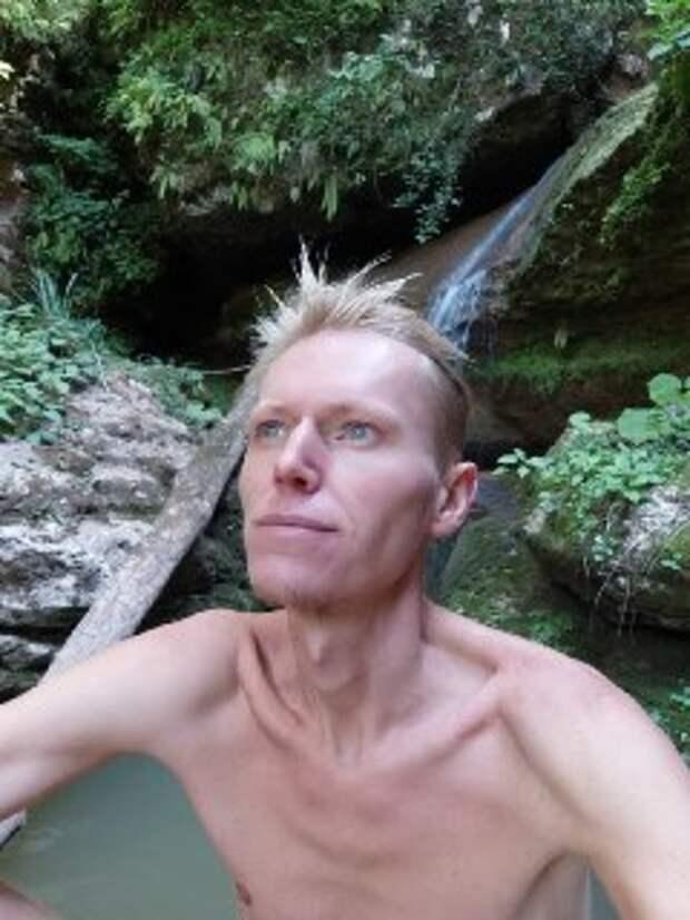 Российский блогер умер после 40-дневного испытания голодом