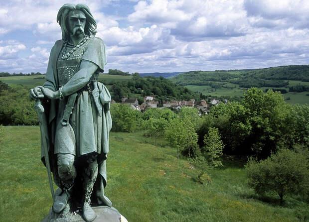 Кто одолел могучий Древний Рим: варвары-дикари или равные ему народы?