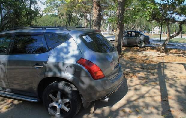 Ограничивают остановку и стоянку машин в разных районах Севастополя