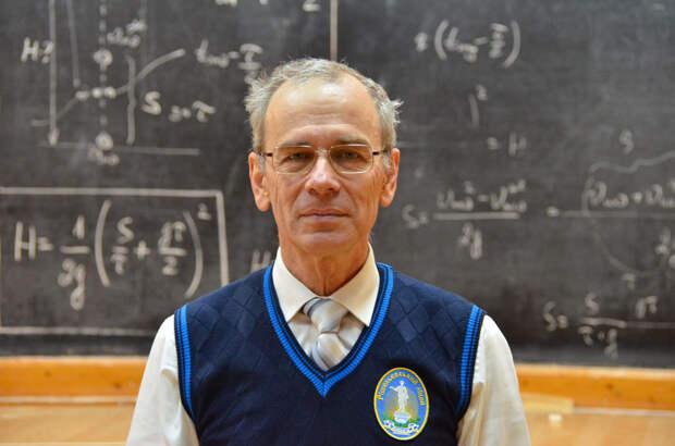 Одесский учитель записал 474 бесплатных видеоурока по физике. Их посмотрели более 20 миллионов раз