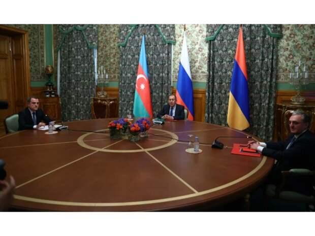 Нагорный Карабах: Путин бросил на стол свою политическую репутацию