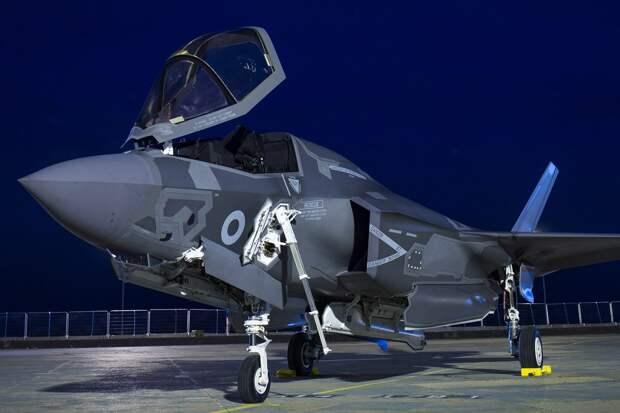 Пентагон заявил о новой проблеме с истребителями F-35