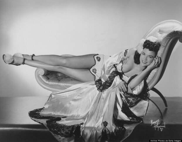 burlesque04 Краткая, но потрясающая история бурлеска в 1950 х годах