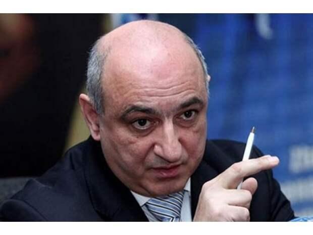 Армения. Слабая власть, слабая оппозиция и апатичное большинство — интервью