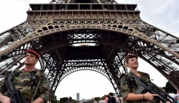 Признаки начала военного переворота во Франции?