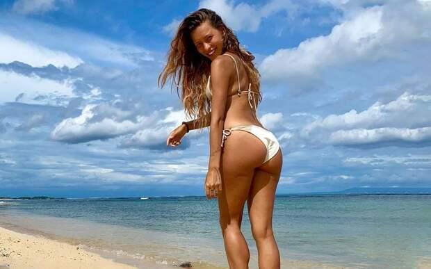 Регина Тодоренко: «Я стыдилась своего тела из-за груди. Выходы в купальнике были для меня невыносимы»