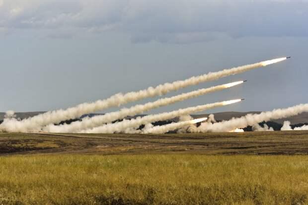 """ВС Украины отрабатывали удары с использованием РСЗО """"Смерч"""" возле Крыма"""