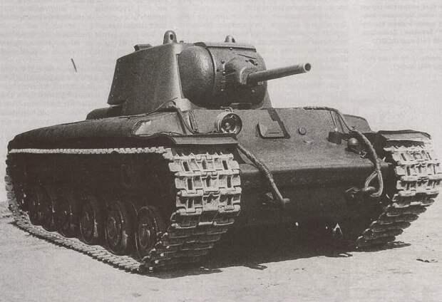 КВ-1 одни из первых приняли удар немцев