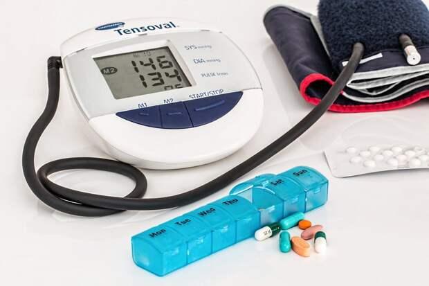 Кардиологи назвали способы контролировать высокое давление без лекарств