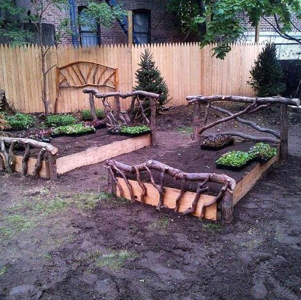 Оригинальное применение бревен в саду