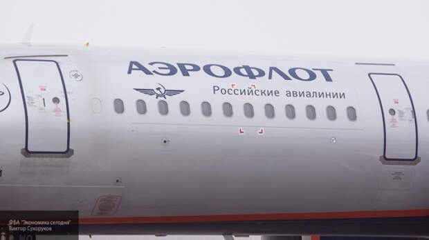 Аэрофлот закупит 100 иностранных воздушных судов, сообщил Мантуров