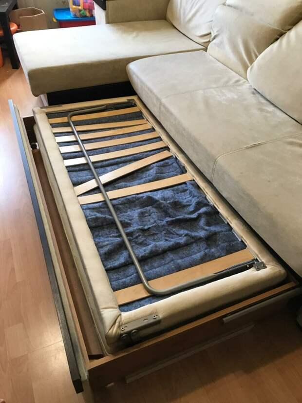 При выборе мягкой мебели обратите внимание на наполнитель.