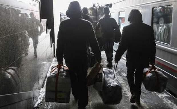 Минсельхоз завезет мигрантов эшелонами