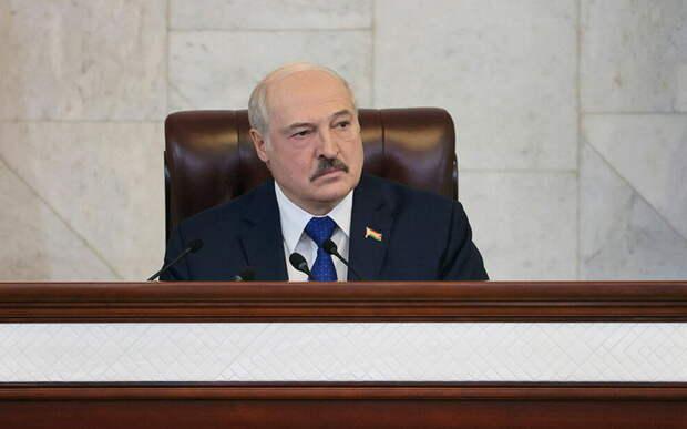 Лукашенко предложил вместо Белоруссии летать, «где угробили 300 человек»