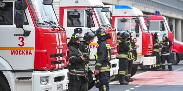 На бульваре Яна Райниса ликвидировали возгорание в подъезде