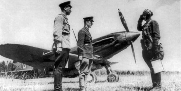 Департамент ГОЧСиПБ рассказал о подвигах знаменитых летчиков