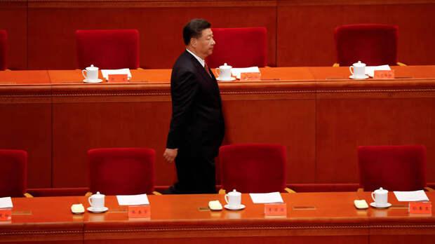"""Маленькая """"Красная лодка"""", которая ведет Китай"""