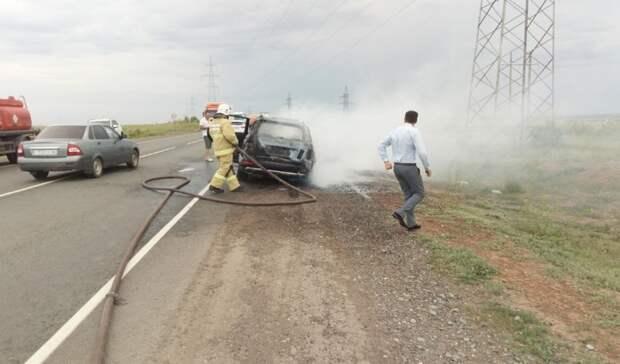 Водитель сгоревшего автомобиля Mercedes под Оренбургом после пожара остался без прав