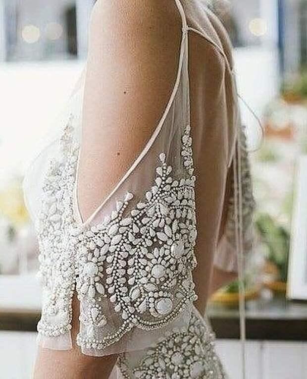 Нарядный декор ткани и одежды (трафик)