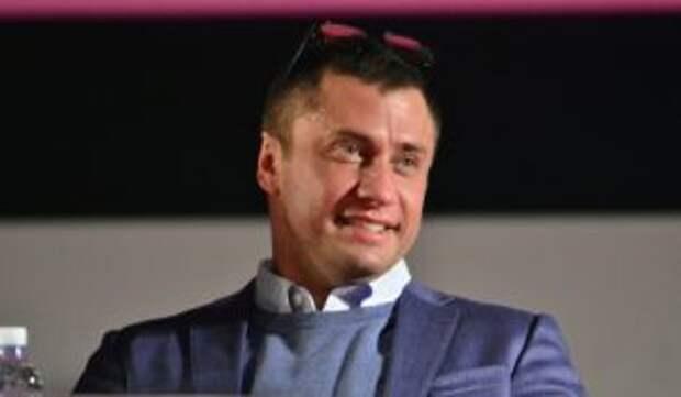 «Руки распустил?»: Прилучного подозревают в избиении покрытой шрамами Карпович