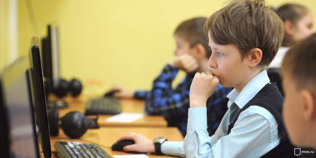 Дистанционное обучение в московских школах. Как справляются дети, родители и педагоги?