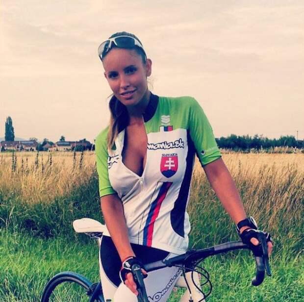 Модель Люсия Яворчекова: со спортивного велосипеда на обложку Playboy