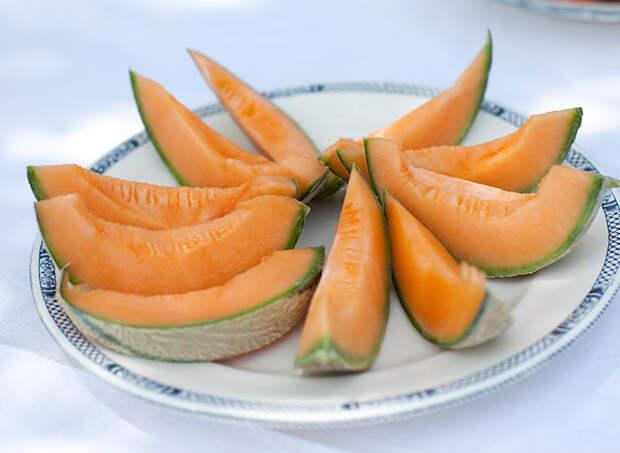 5 продуктов, которые обеспечат ровный загар