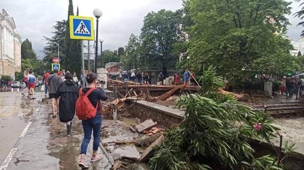 Аксенов назвал катастрофическим нанесенный Ялте ущерб