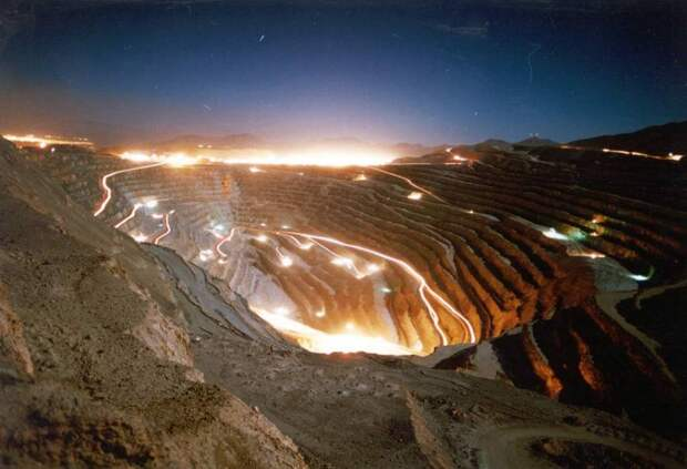 Топ-10 глубоких карьеров в мире: путешествие почти к центру Земли
