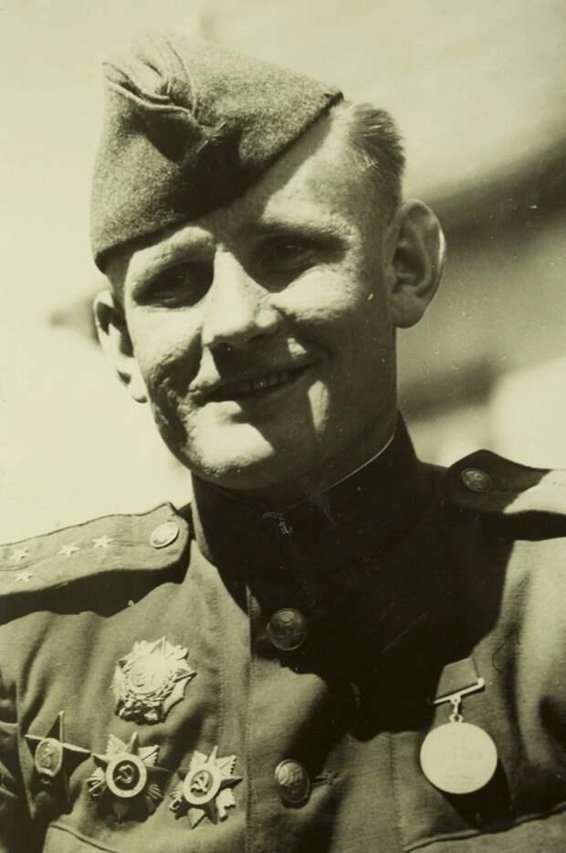Степан Неустроев в мае 1945 года в Берлине. Фото: из личного архива родственников Степана Неустроева.