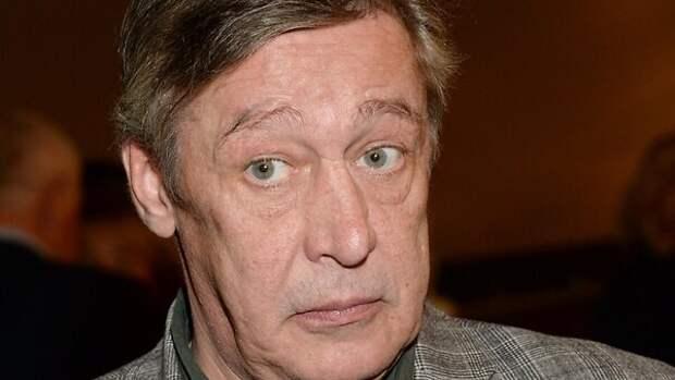 «Джип найти не удалось»: машина Ефремова пропала со стоянки
