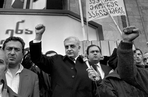 Корни русофобии в современной Грузии: кто первым начал обвинять русских во всех бедах?
