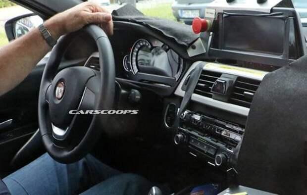 Не как у всех: новая «трешка» BMW показала свой интерьер