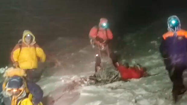 МЧС завершило операцию по поиску пропавших на Эльбрусе альпинистов