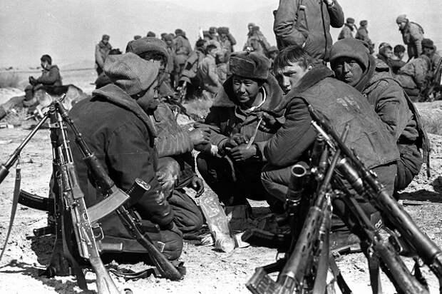 Какие советские военные первыми погибли на Афганской войне