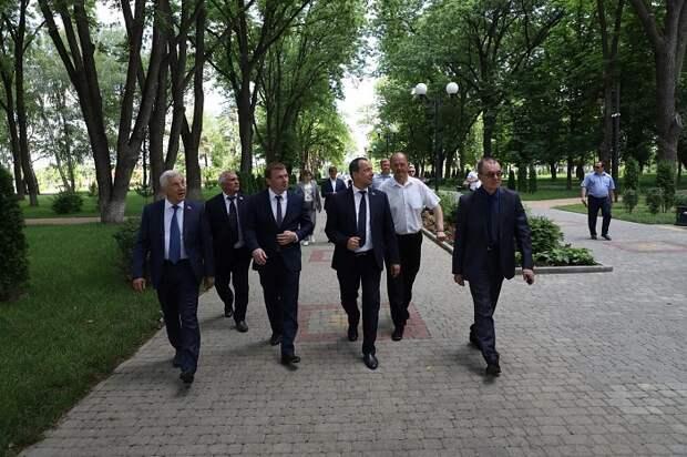 ЗСК: депутаты и Динской район встретятся за круглым столом