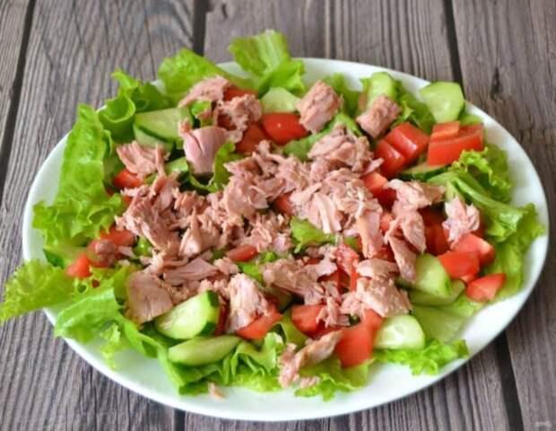 Салат с тунцом и овощами. Пикантный салатик на праздничный стол 2