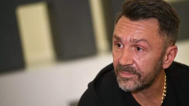 Баста пригласил Шнурова посетить боксёрский турнир Gazfight