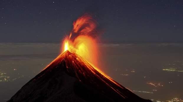 В Гватемале произошло извержение вулкана Фуэго